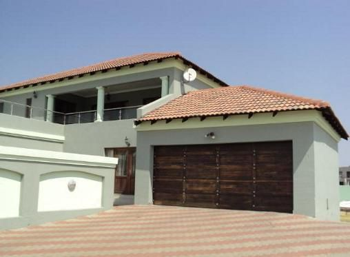 4 Bedroom House for sale in Noordwyk, Midrand R 2 900 000