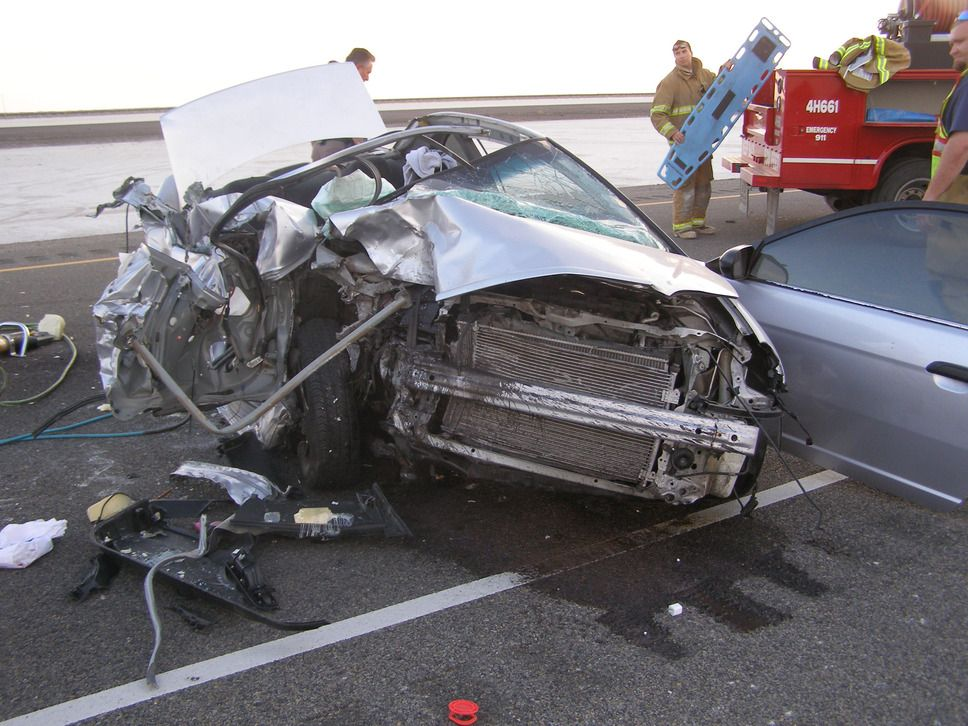Texting while Driving! Texting while driving, Car crash