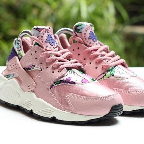 Nike Air Huarache Pink Floral Sneakernews Com Nike Air Huarache Nike Shoes Women Huaraches