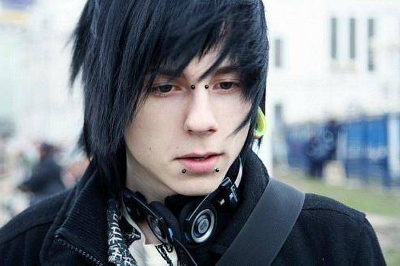 Nice 40 Sexy Emo Hairstyles For Guys