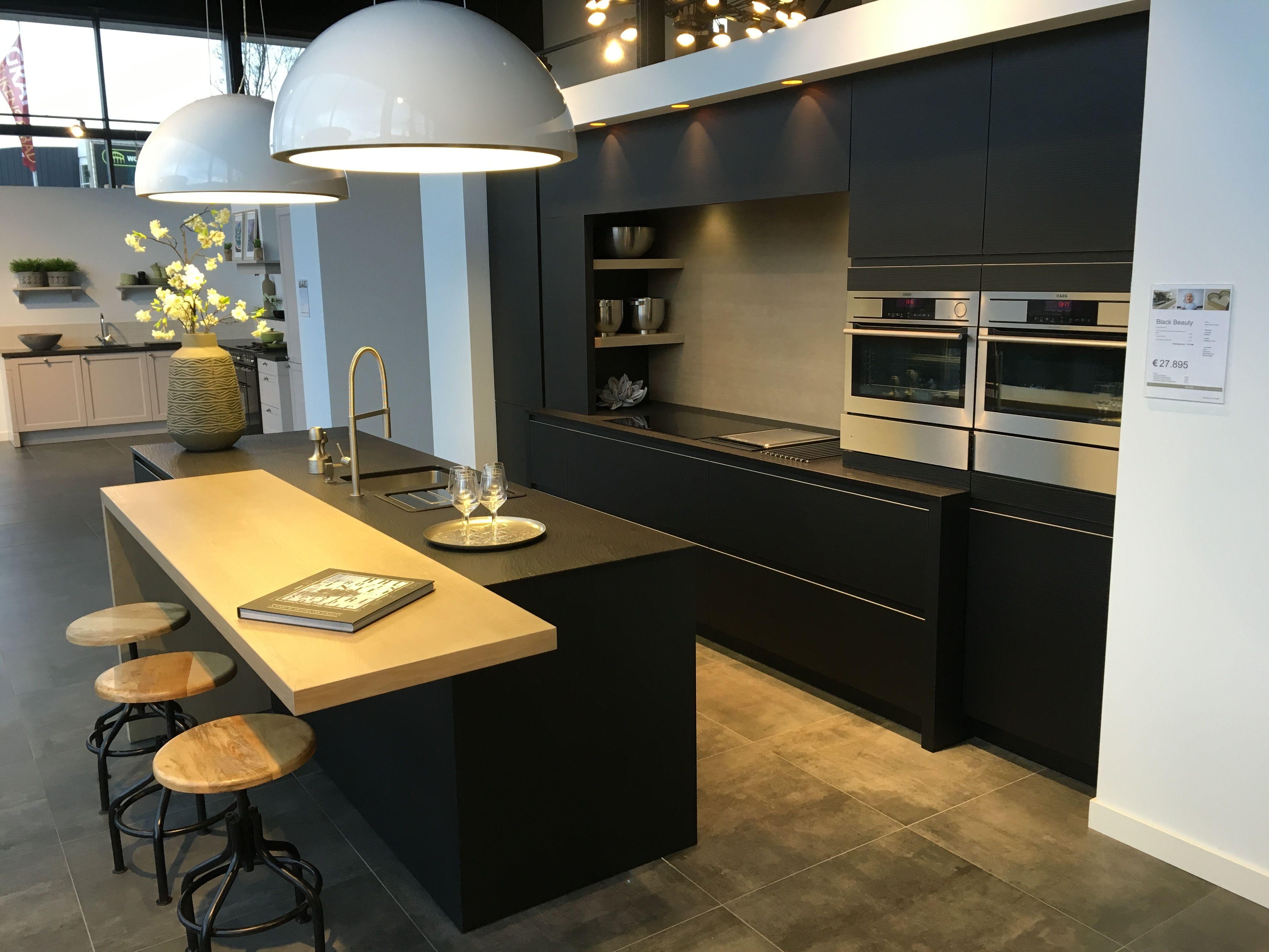 Grando Keukens Amsterdam : Showroomkeukens son black beauty 15 grando keukens & bad