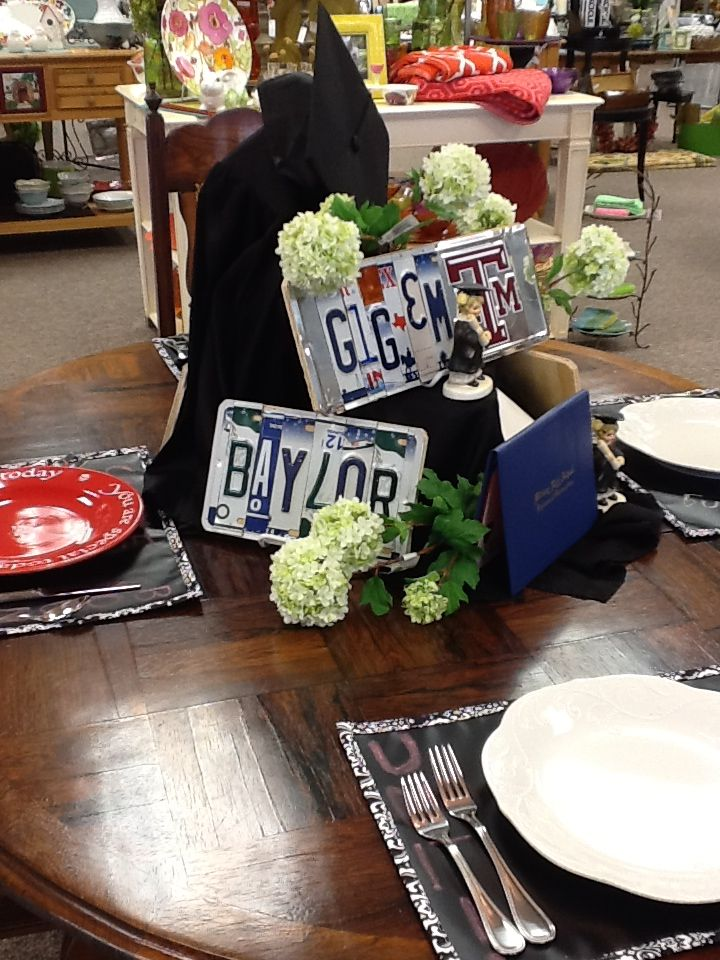 Graduation table & Graduation table | JPP Table Settings | Pinterest | Graduation ideas ...