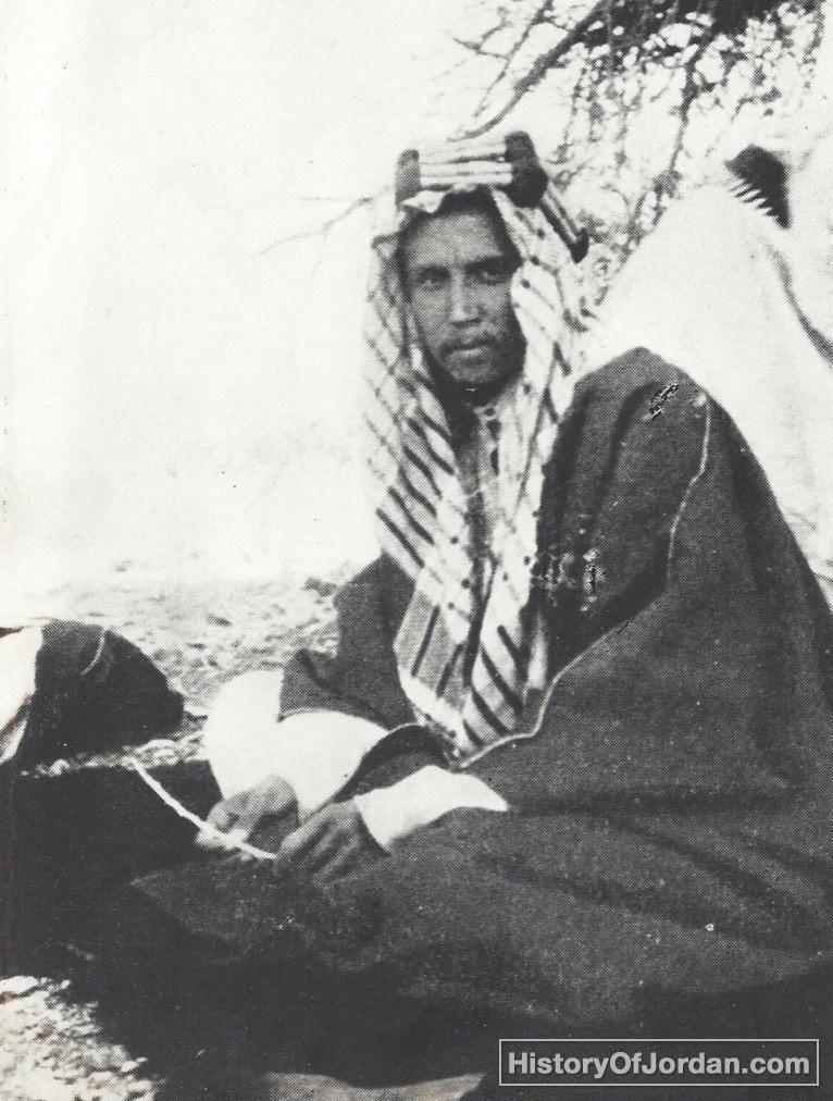 الأمير شاكر بن زيد قدم إلى الأردن عام 1934 وهو من مواليد مكة المكرمة في العام 1885 فيما كان والده أمير الطا Lawrence Of Arabia Historical Figures History
