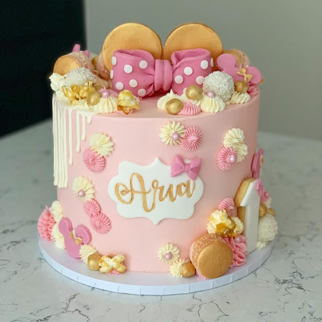 And Now A Single Tier Minnie Mouse Cake Looking Just As Pretty I Think She S A Cutie Don T You Lettering Minnie Mouse Cake Birthday Cake Kids Cake