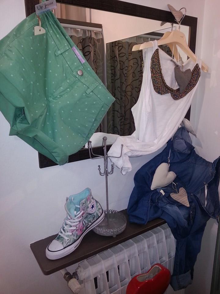 short Up Jeans  canotta Risskio  camicia jeans Risskio  scarpa All star