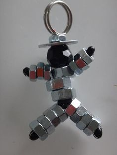 idée cadeau fêtes de pères tuto porte clé bonhomme boulons, un joli cadeau  à réaliser ba4e5089049