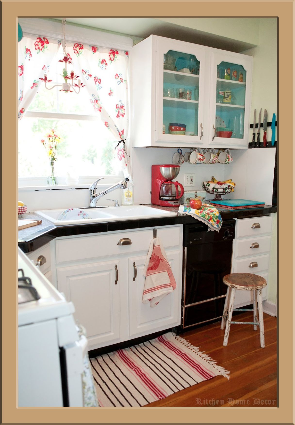 How To Buy A Kitchen Decor On A Shoestring Budget