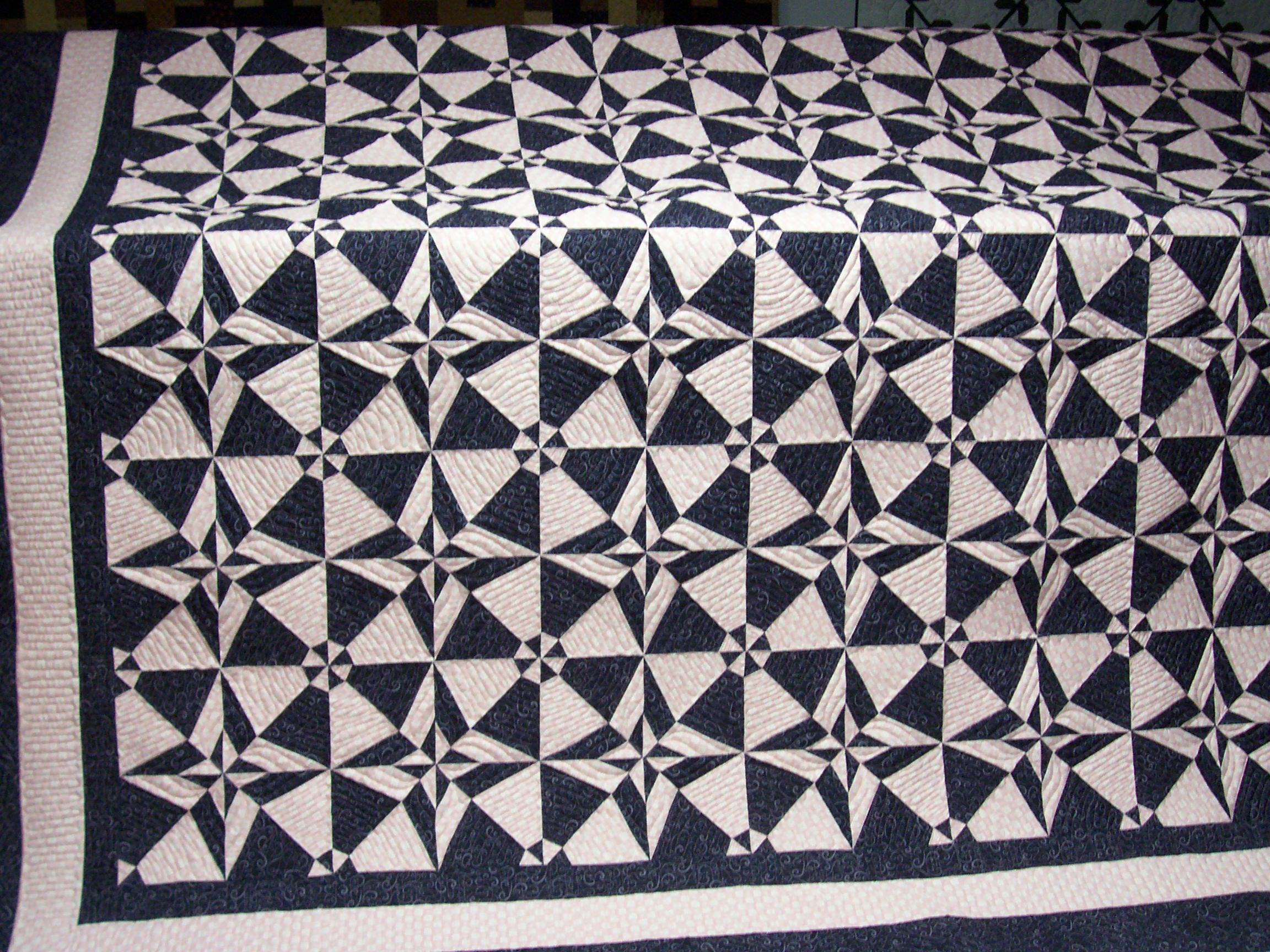 Blk/whi with pink quilting Night & Day | Quilts | Pinterest | Pink ...