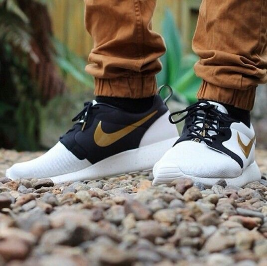135b349ad97db AAHH Must have these! Nike Roshe Run Hyperfuse