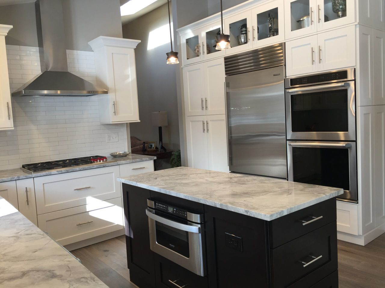 Kitchen West Long Branch Nj St Martin Cabinets In Simply White For The Perimeter And Smoke Grey For The Island Http Kitchen Design Kitchen Simply White
