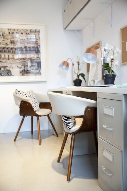 A Commercial Showroom With Modern Office Chairs Creates A Clean And Simple  Look. | Décor Aid |