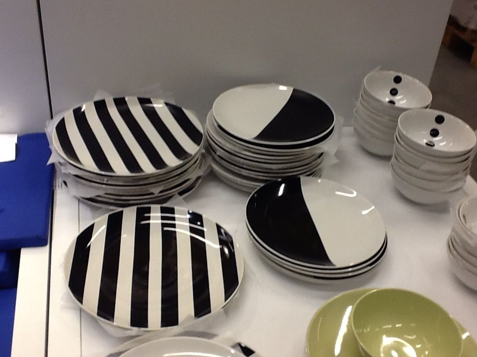 Great Black And White Dishes From Ikea
