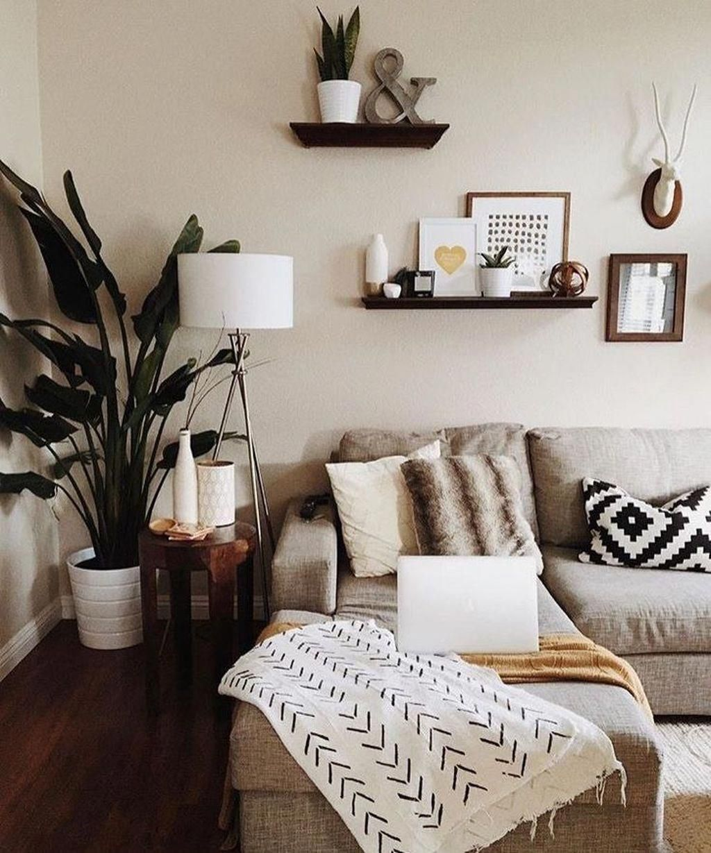 16 Enticing Wall Decorating Ideas For Your Living Room: Modern Woo On Boho Style In