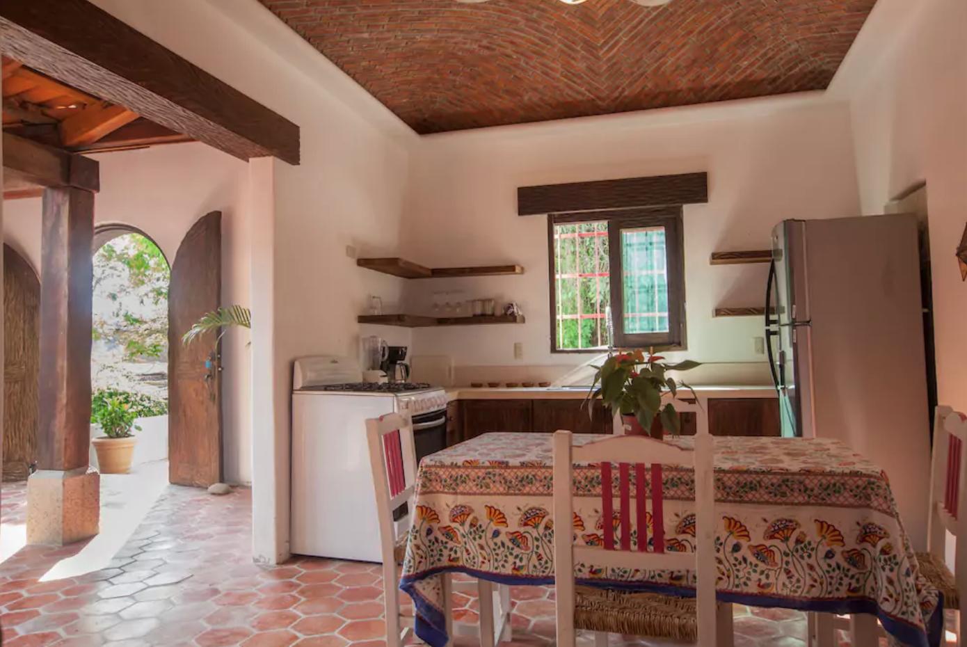 Cocina estilo colonial casa corredor abierto patio central casas e ideas pinterest - Cocinas estilo colonial ...