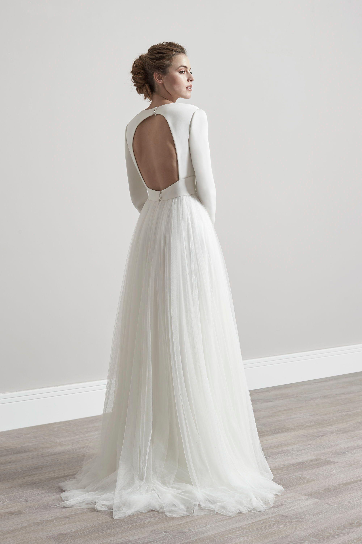 Vivian Wedding Dress By Sassi Holford Bath Bristol Bridal In 2020 Bridal Fashion Designers Wedding Gowns Vintage Wedding Dresses Romantic