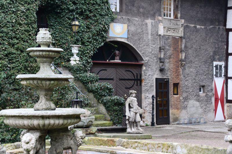 Schloss Petershagen Schlosshotel Mit Nostalgie Und Britischem Flair Burg Hotel Schloss Und Burg