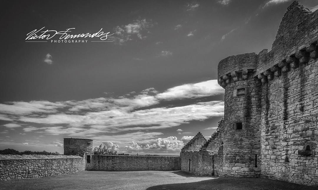 #Medieval #castle in #Edinburgh #Scotland. It is situated 3 miles south-east of the city centre on a low hill to the south of the modern suburb of Craigmillar. #Explore #traveling #adventure #travel #wanderlust #Photography #LovePhotography #nikonnofilter #photooftheday #monochrome #nikon #nikonphotography #uk #stayandwander #bnw #bnw_society #bnw_captures #passionpassport #peoplescreatives #lovegreatbritain #natgeo  #natgeotravel  #instagood #instagram #instadaily