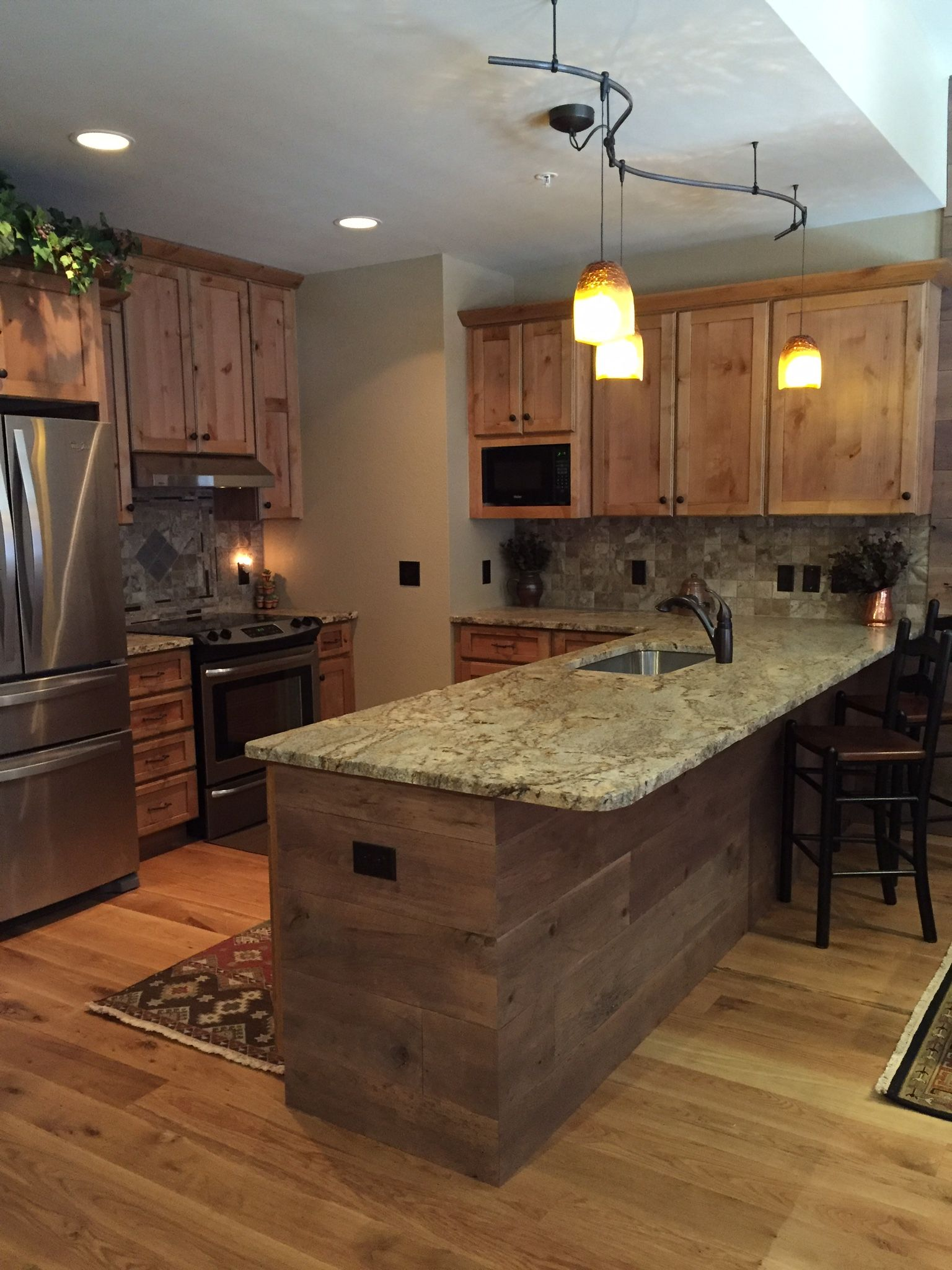 Granite Countertops With Plenty Of Cabinet Space Dishwasher