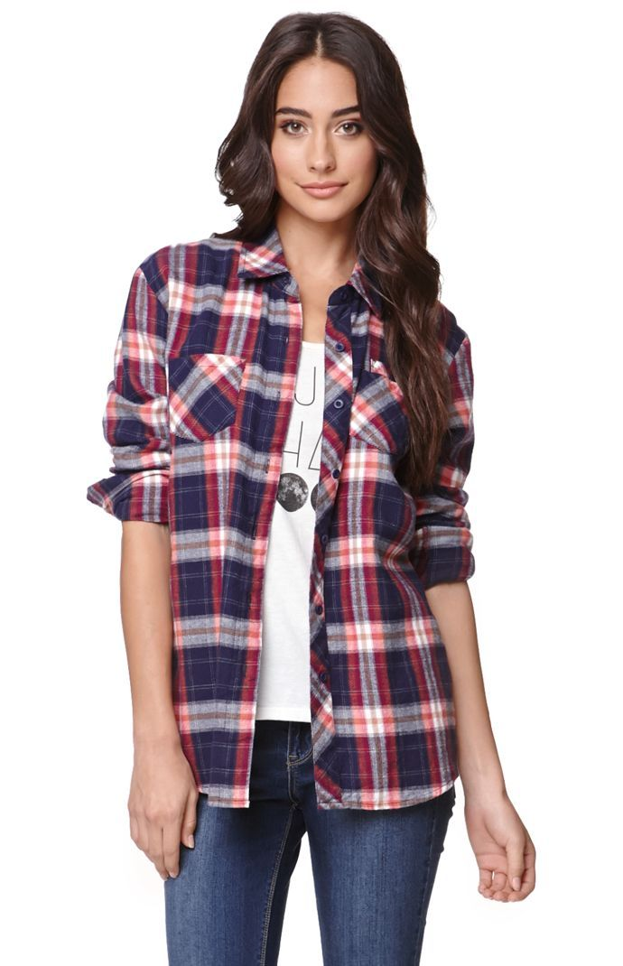 A PacSun.com Online Exclusive! The women's ExplosiveLong Sleeve Plaid Shirt by Volcom features a plaid pattern throughout with three front pockets.Match this up with a graphic tee and some denim for an easy casual look.27