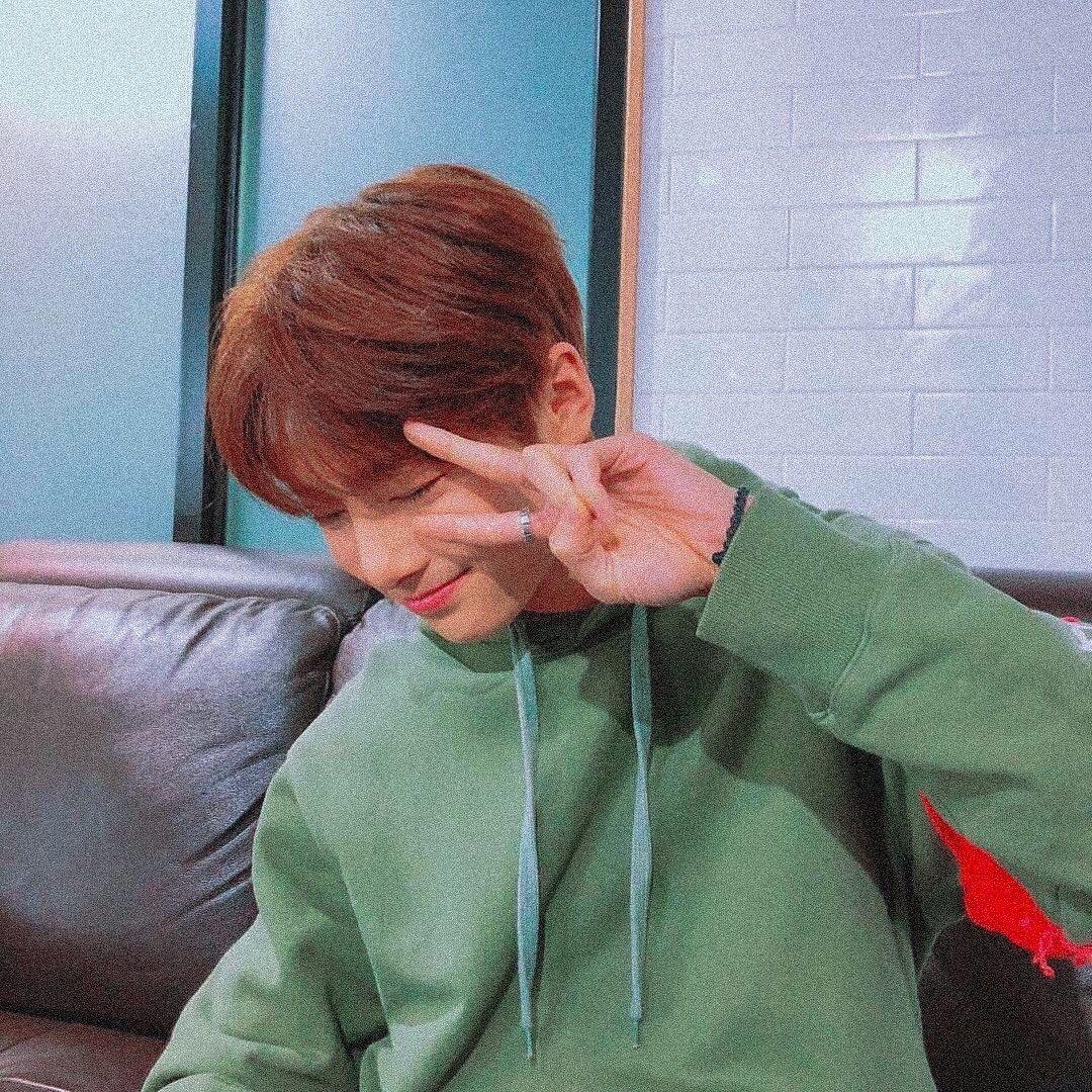 Yang Jeongin On Instagram Boyfriend Material Teenagerpostsfunny Stray Kids Seungmin Felix Stray Kids Boyfriend Material