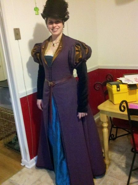 Based on the Tudor Tailor book - a 1560's middle class ensemble.