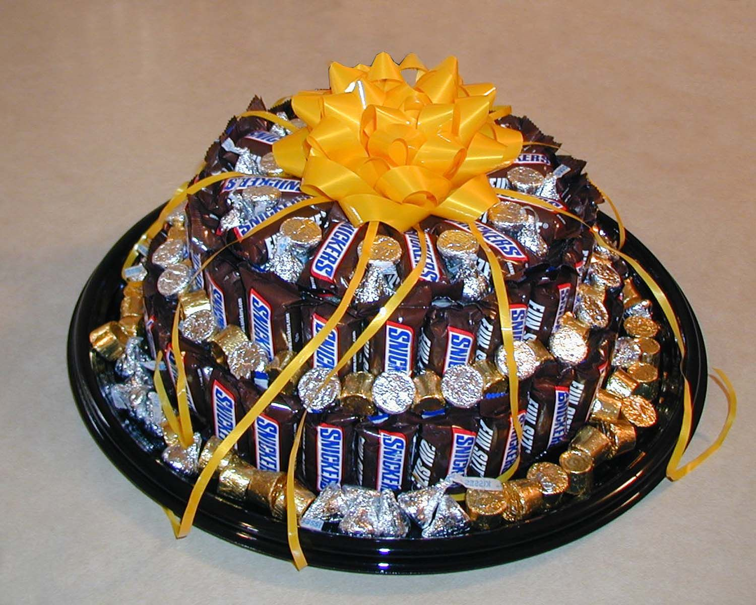 Pin By Karen Camic On Treasures I Ve Made Candy Bar Cake Gift Arrangements