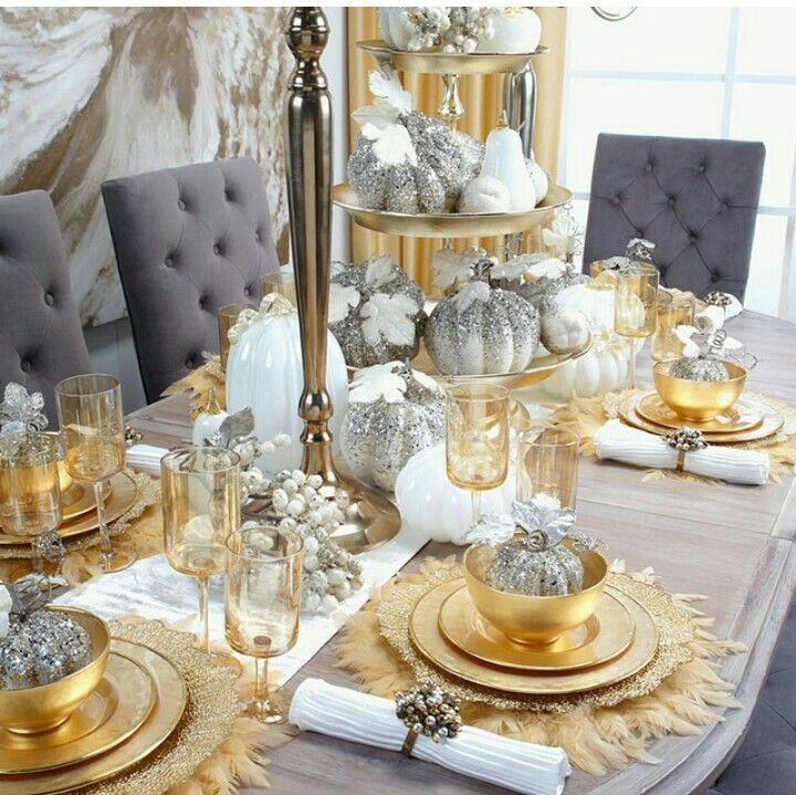 Dining Room Tablescapes: Love The Feather Placemats