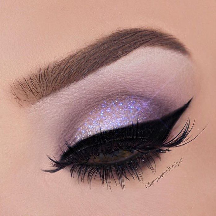 Love love love this MUAS work. Been following her for quite a while now and never seem to get bored of her makeup looks  @champagnewhisper #wakeupandmakeup #eyes #eyemakeup #eyeshadow #eyelashes #universodamaquiagem_oficial #inssta_makeup #potd #anastasiabeverlyhills #selfie #smokeyeyes #dailybeauty #fashion #girl #glitter #hudabeauty #contour #vegas_nay #blogger #beauty #mua #makeup #makeupartist #makeupartistsworldwide by makeupgeorgie