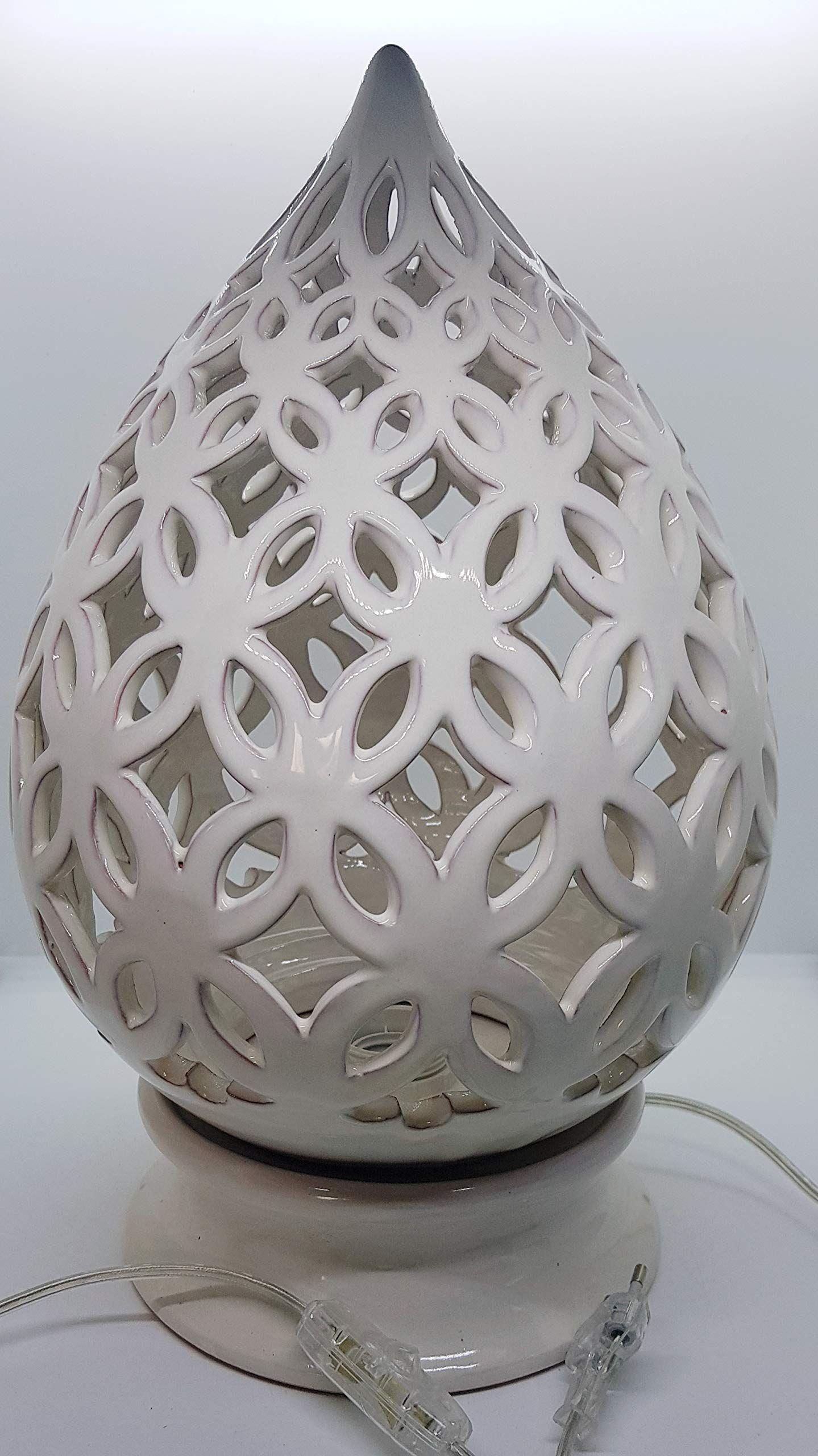 Lampada Da Tavolo Comodino Traforata Bianca Handmade Le Ceramiche Del Castello Made In Italy Dimensioni 39 X 19 Cm Bianca Ceramica Lampade Da Tavolo Castello