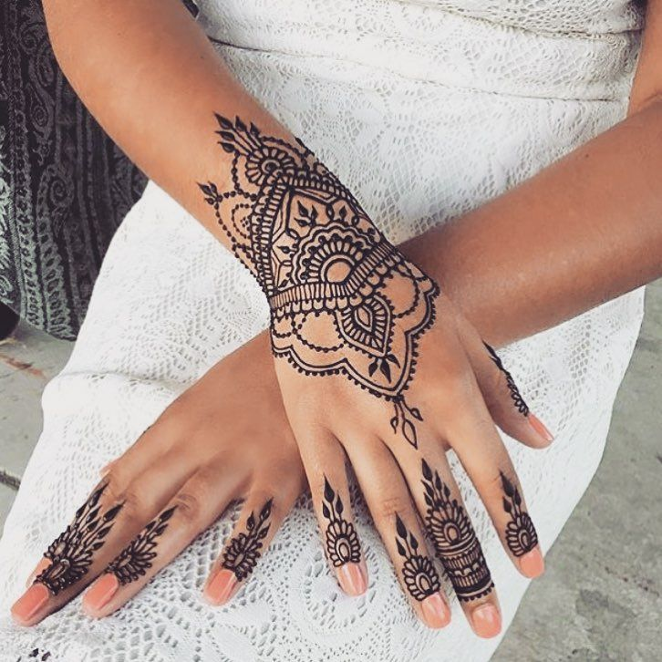 43 Henna Wrist Tattoos Design: I Think I Would Want This Tattooed On My Wrist. This Is