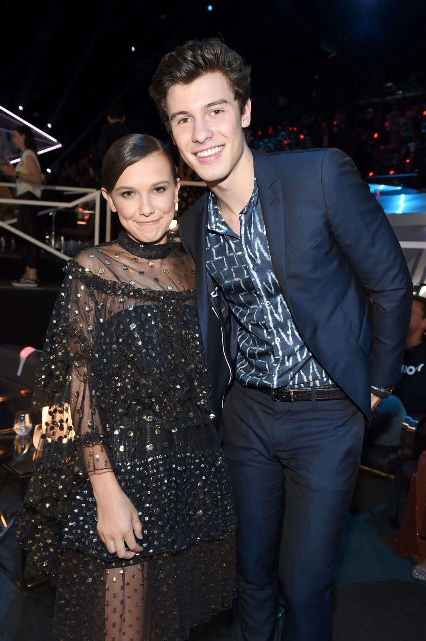 Millie Bobby Brown And Shawn Mendes Con Imagenes Bobby