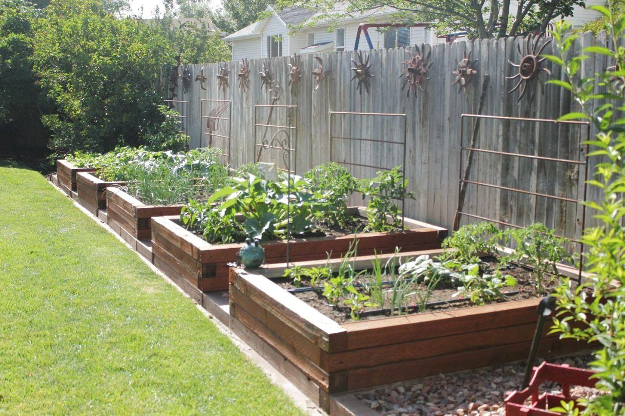 56 Very Beautiful Backyard Vegetable Garden Designs Ideas The Expert Beautiful Ideas Lawn Design Backyard Garden Design Garden Design