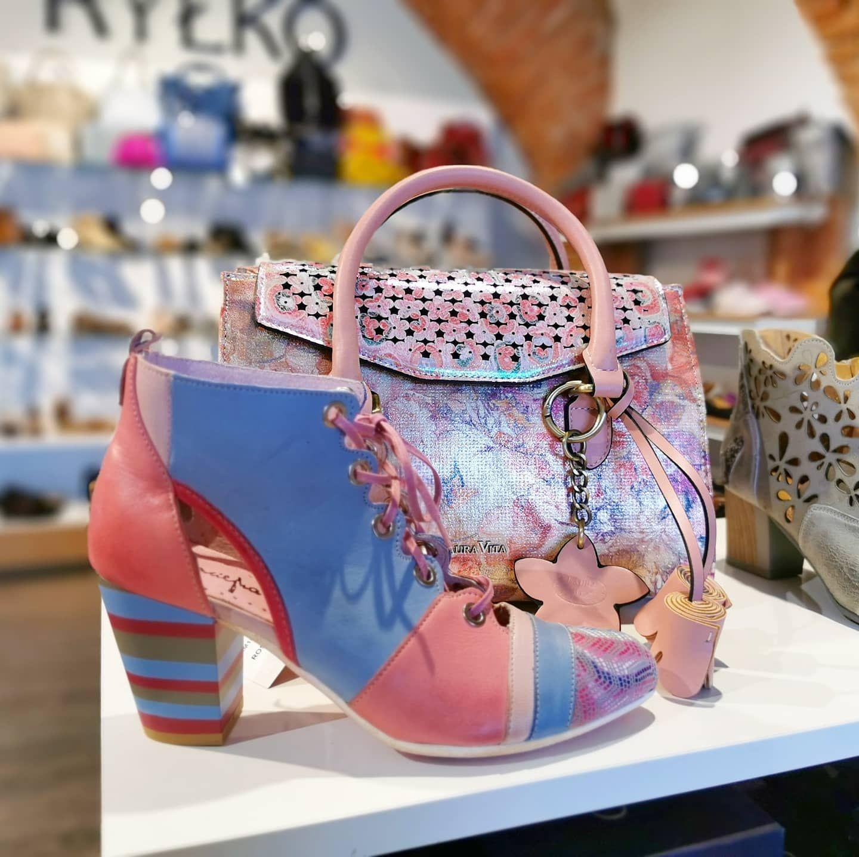 Model Wiosenno Letnich Botek Maciejka Wzor Powtorzony Z Zeszlego Sezonu Nadal Cieszy Sie Duzym Uznaniem Naszych Klientek Do Bags Top Handle Bag Shoes
