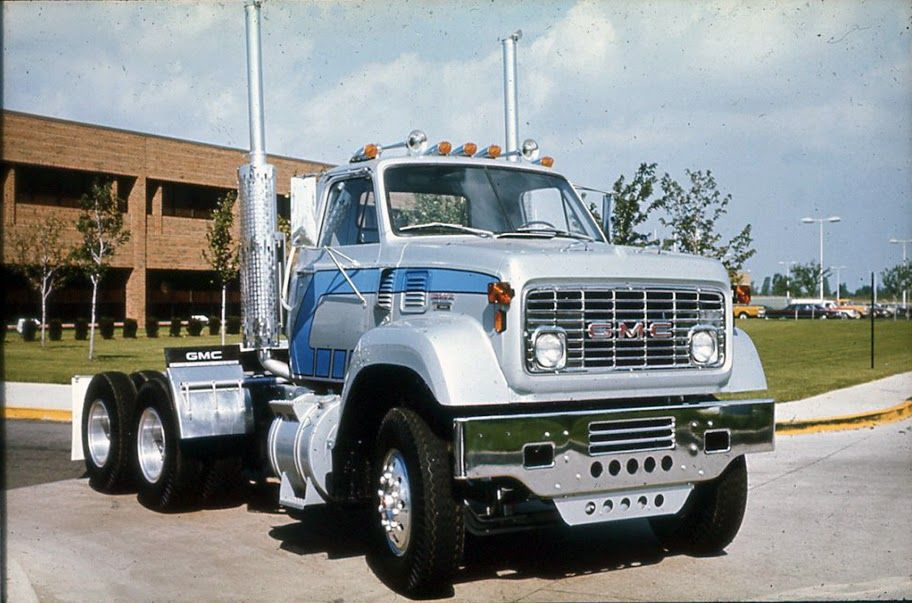 GMC 9500 series, looks like a sharp brochure truck. These came in ...