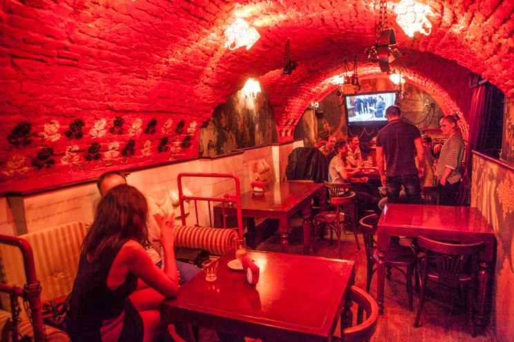 The Most Unusual Restaurants From Around The World | Unusual, Restaurant,  Light red