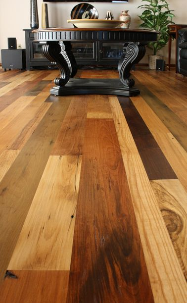 Mountain Lumber Living Room Mixes It Up Just Enough To Be Interesting But Not Overwhelm The Sp Hardwood Floor Colors Rustic Wood Floors Mixed Hardwood Floors