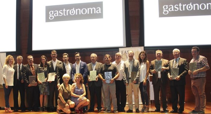 Murviedro reconocida por la FASCV por su apoyo a los sumilleres de la Comunidad Valenciana http://www.vinetur.com/2013092513437/murviedro-reconocida-por-la-fascv-por-su-apoyo-a-los-sumilleres-de-la-comunidad-valenciana.html