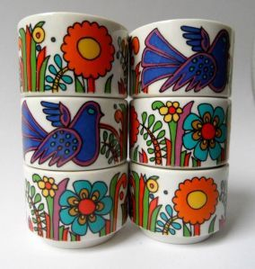 'Acapulco' by Villeroy & Boch is a Mexican-inspired pattern with colourful, stylised trees, flowers and birdsoriginally used by the company in 1977.