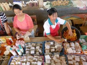 Medicinal herbs - Luang Namtha market - Lao