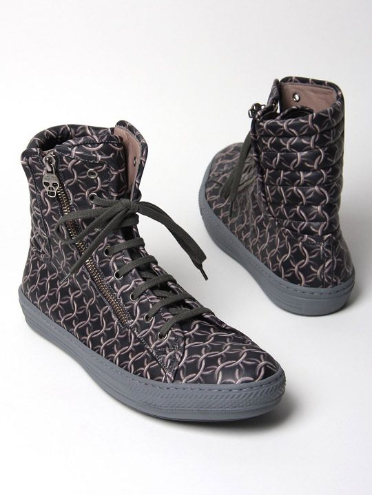 "8a938023d68772 Alexander McQueen ""Chain Link"" High Top Sneakers Fall Winter 2010-02"