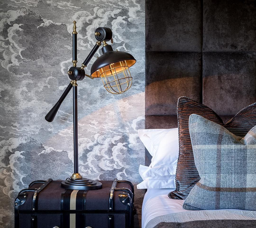 This @cole_and_son_wallpapers wallpaper is so well suited to the ...