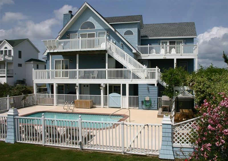 Twiddy outer banks vacation home the blue whale corolla oceanside 9 bedrooms