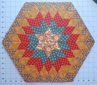At long last here's my tutorial on how to make your own Columbia Star blocks.   First, I originally found this pattern on United Notions' w...