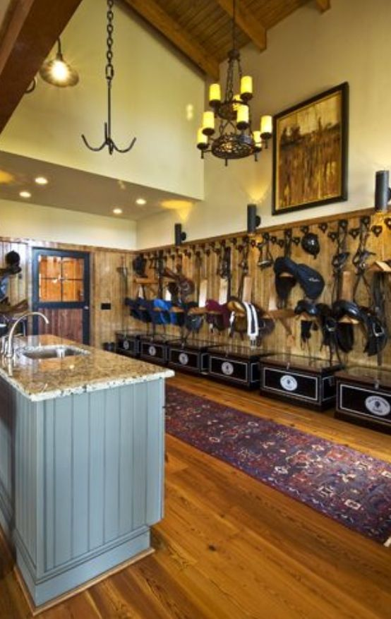 Luxury Tack Room Luxury Barns Horse Tack Rooms Horses
