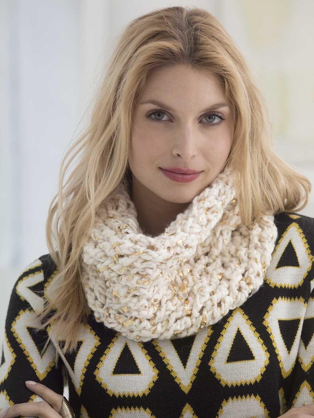 All That Glitters Crochet Cowl | Capucha, Brillar y Ganchillo