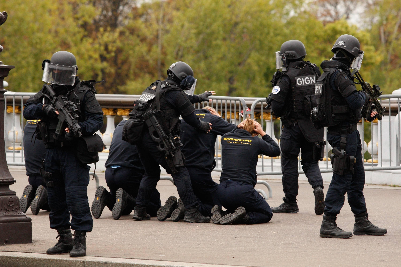 Les agresseurs tombent sur deux stagiaires du gign for Gendarmerie interieur gouv fr gign