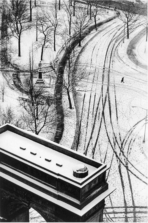 "André Kertész From ""Diary of light"", New York 1936-1979 Thanks to undr"