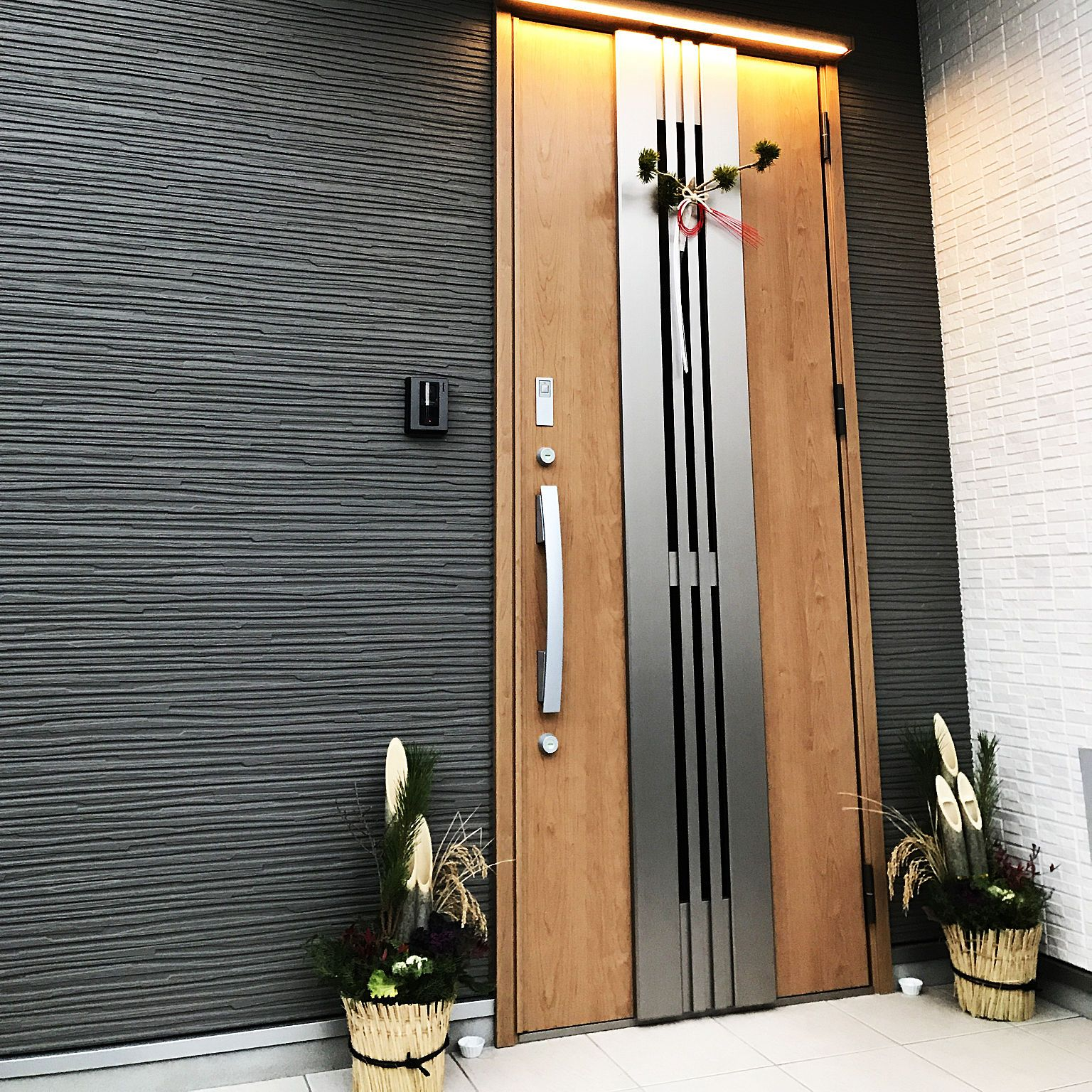 玄関 入り口 お正月 Lixil玄関ドア リクシル 玄関扉 などのインテリア実例 2017 12 29 17 04 02 Roomclip ルームクリップ 玄関 玄関扉 玄関ドア