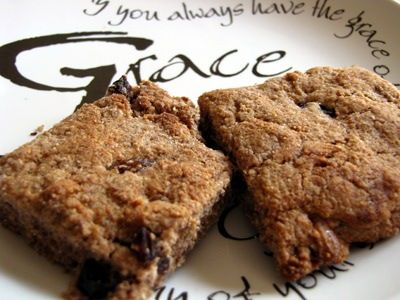 Cinnamon and Honey Spelt Biscuits With Raisins