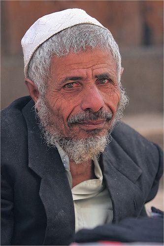 Yemen: dans le souk de Sanaa. | by claude gourlay
